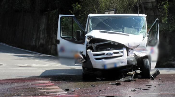Incidente tra furgoni