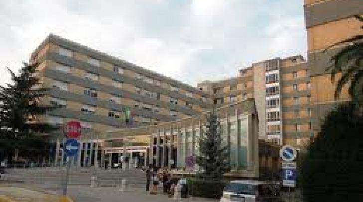 """L'ospedale """"Mazzini"""", sede della Asl di teramo"""