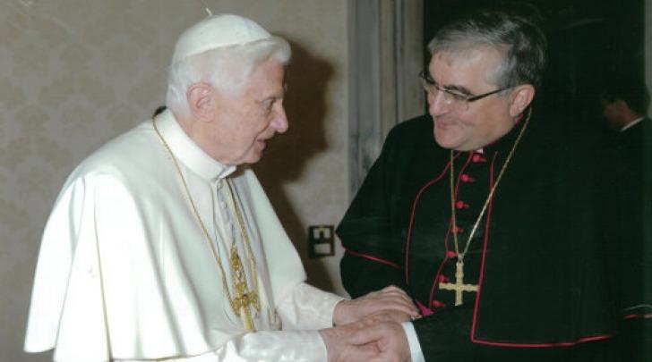 Vescovo Seccia con Benedetto XVI