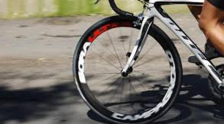 Ciclista in allenamento