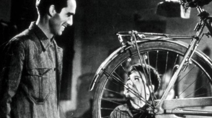 """Un'immagine tratta dal film """"Ladri di biciclette"""""""