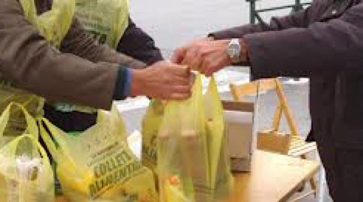Raccolta di alimenti per i poveri