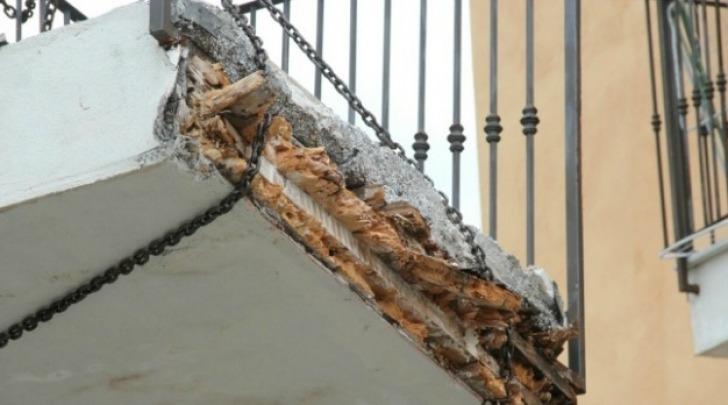 Balcone rotto