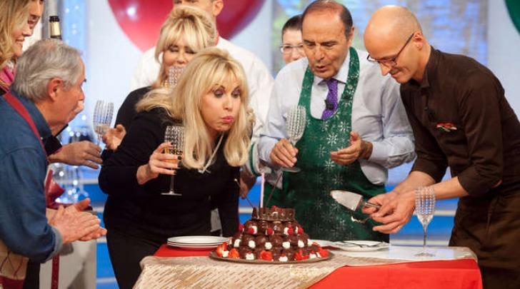 Antonella Clerici, 51 anni festeggiati a La prova del cuoco (Olycom)