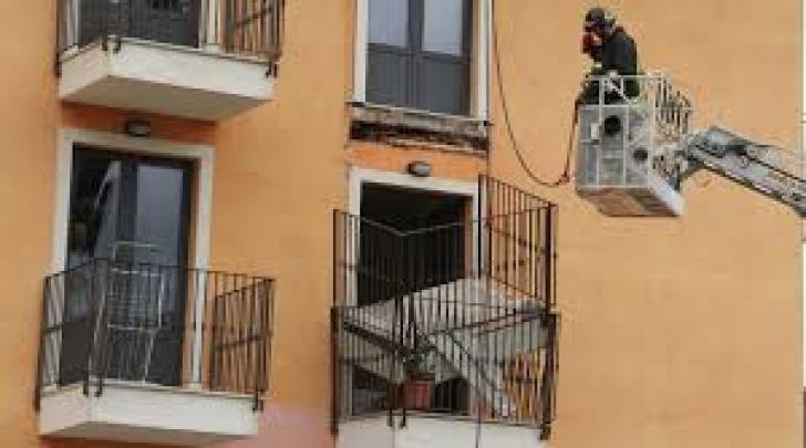 Crollo balcone progetto CASE