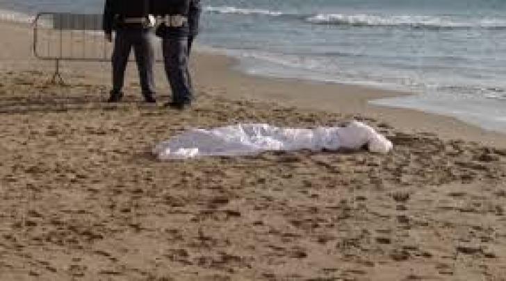 Cadavere in spiaggia