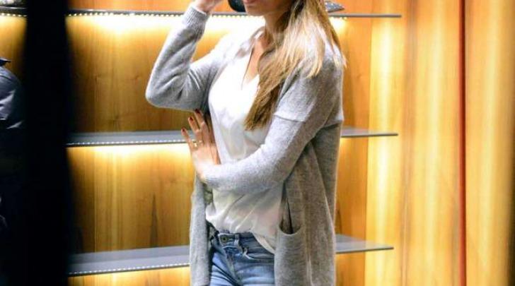 Anna Tatangelo fa shopping a Milano (Olycom)