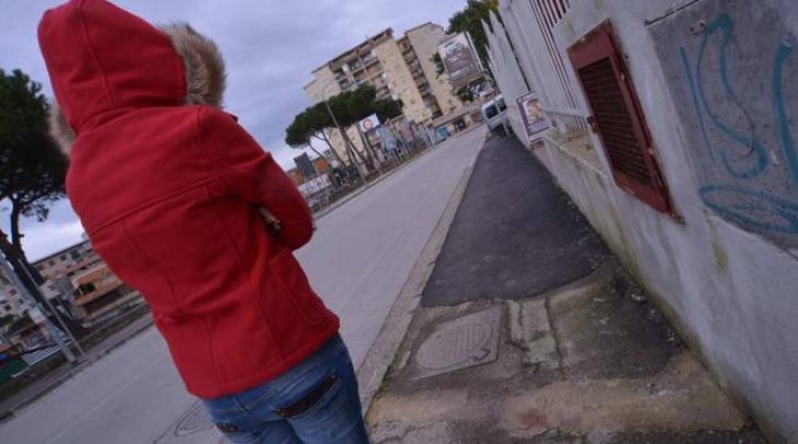 Melito, 34enne cade sul marciapiede e muore (NewFotoSud-Alessandro Pone)