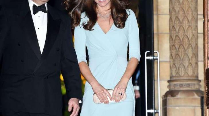 Kate Middleton sexy per la seconda uscita ufficiale (Olycom)