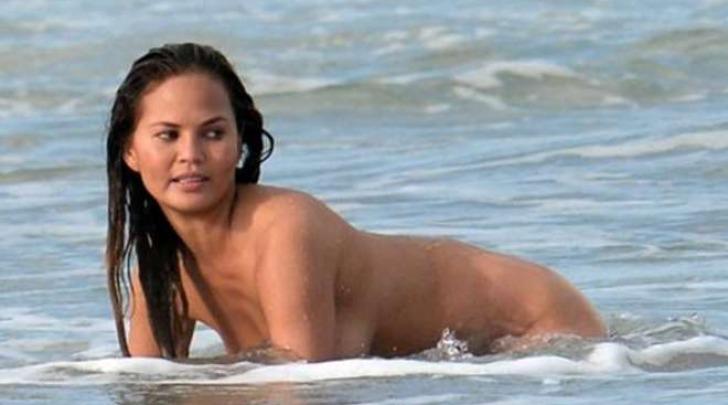 Chrissy Teigen super sexy a Miami