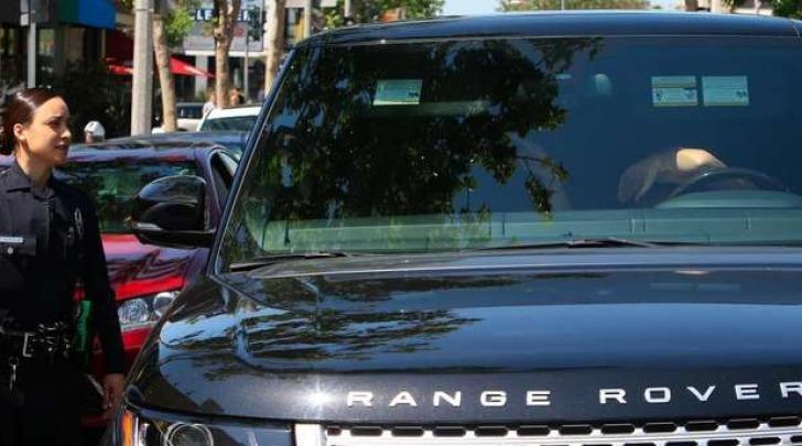 La famiglia Beckham in doppia fila blocca il traffico a Los Angeles: interviene la polizia(Lapresse)