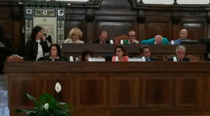 consiglio comunale l'aquila-foto ansa