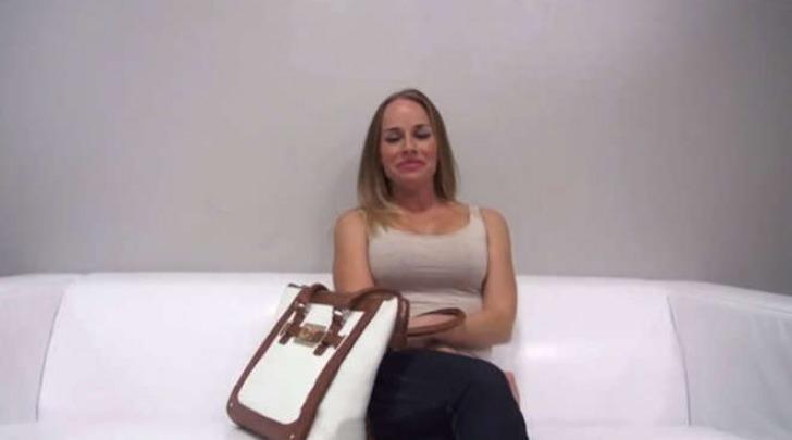 L'insegnante licenziata per un video porno