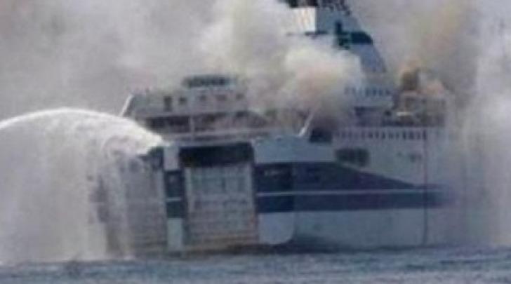 Incendio traghetto Francesca