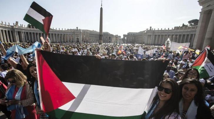 Piazza san Pietro palestinesi a canonizzazione suore