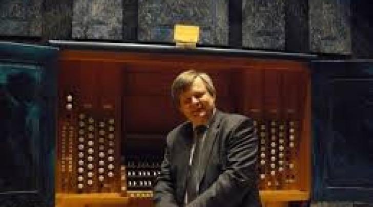 Roman Perucki.