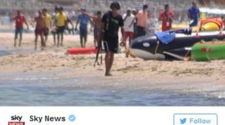 Foto attentatore Tunisi da Twitter