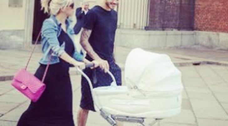 Wanda Nara a passeggio con Mauro Icardi e la figlia Francesca a Milano su instagram