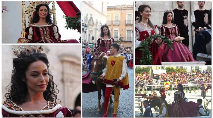 Raffaella Fico nei panni della Regina Giovanna D'Aragona