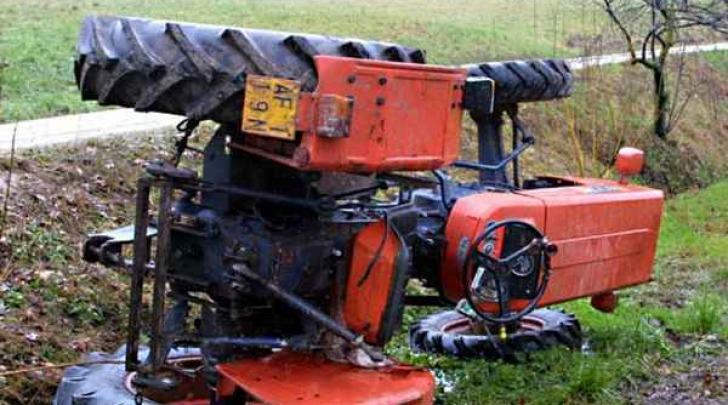incidente con trattore