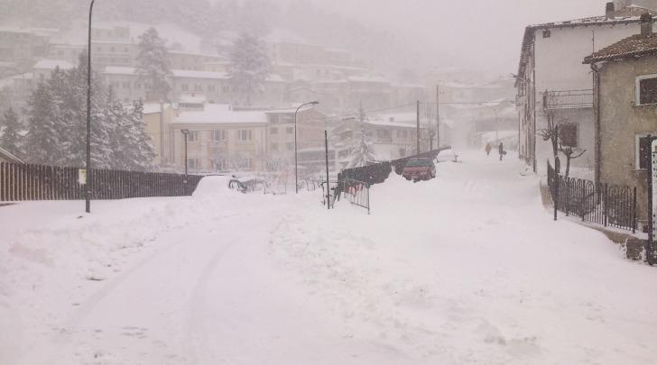 neve castel del monte AQ
