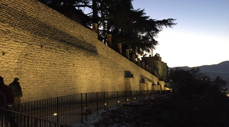 Illuminazione mura
