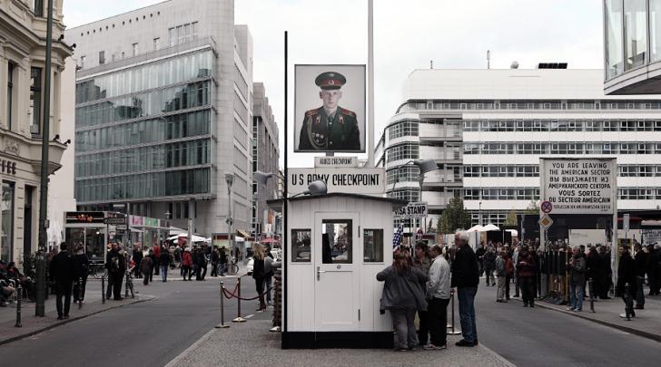 Berlino-checkpoint charlie