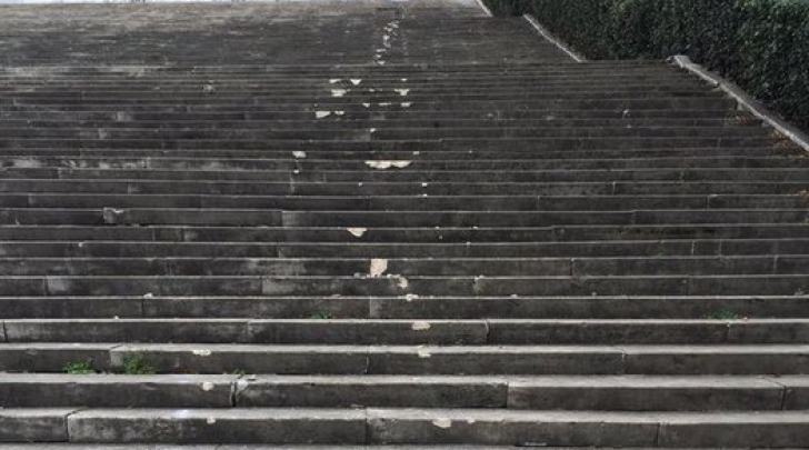 Roma, Distrutta Scalinata Del Colosseo Quadrato