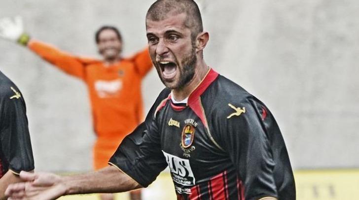 La gioia di Mammarella dopo il gol vittoria dell'andata