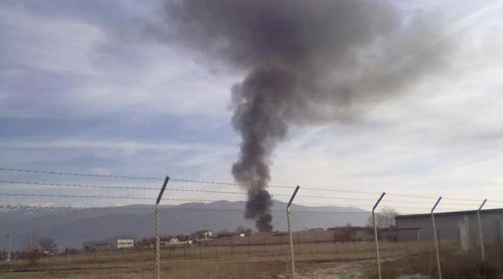 L'incendio visto dalla Strada Provinciale Coppito-Preturo