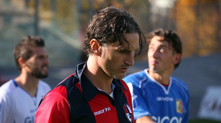 Il difensore rossoblù Mirko Garaffoni