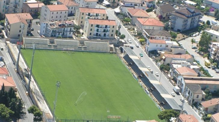 """Lo stadio """"Fadini"""" di Giulianova"""