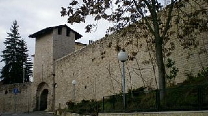 Porta Leone e mura cittadine