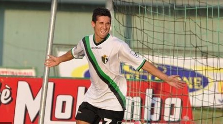 Nicola Fiore, 8 gol in questo campionato