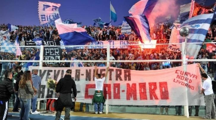 L'omaggio dei tifosi pescaresi a Morosini