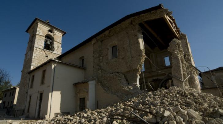 Chiesa di Villa Sant'Angelo dopo il 6 aprile 2009