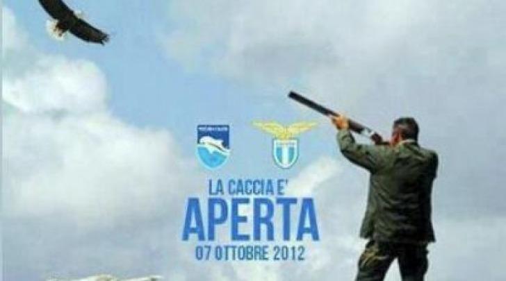 Il manifesto affisso sui muri della città di Pescara