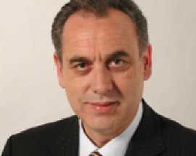 Primarie parlamentari pd intervista a giovanni legnini for Donne parlamentari pd