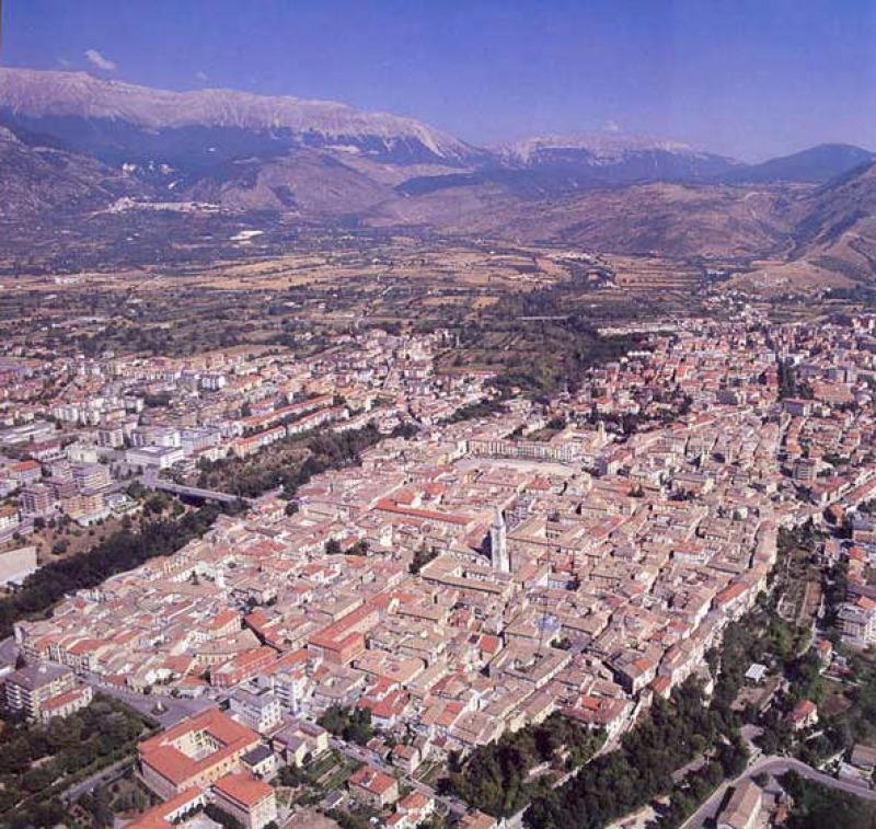 Lo storico Colapietra: è Sulmona il vero capoluogo d ...