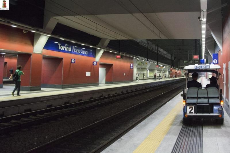 Cade su binari adolescente muore a torino cronaca - Orari treni milano torino porta susa ...