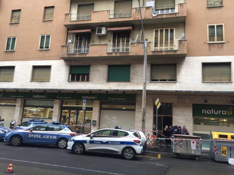 Tragedia della disperazione 93enne uccide la moglie malata e si butta dalla finestra cronaca - Si butta dalla finestra milano ...